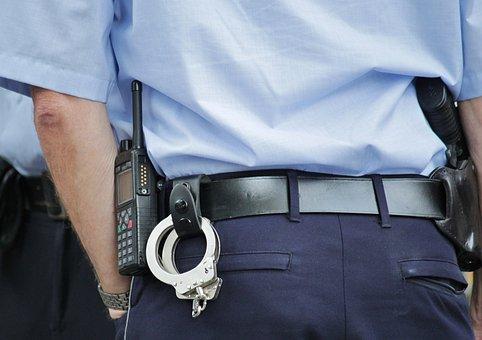 警察, 警官, 警察の制服, ガード, 時計, 警察官, 手錠, ラジオ, 男