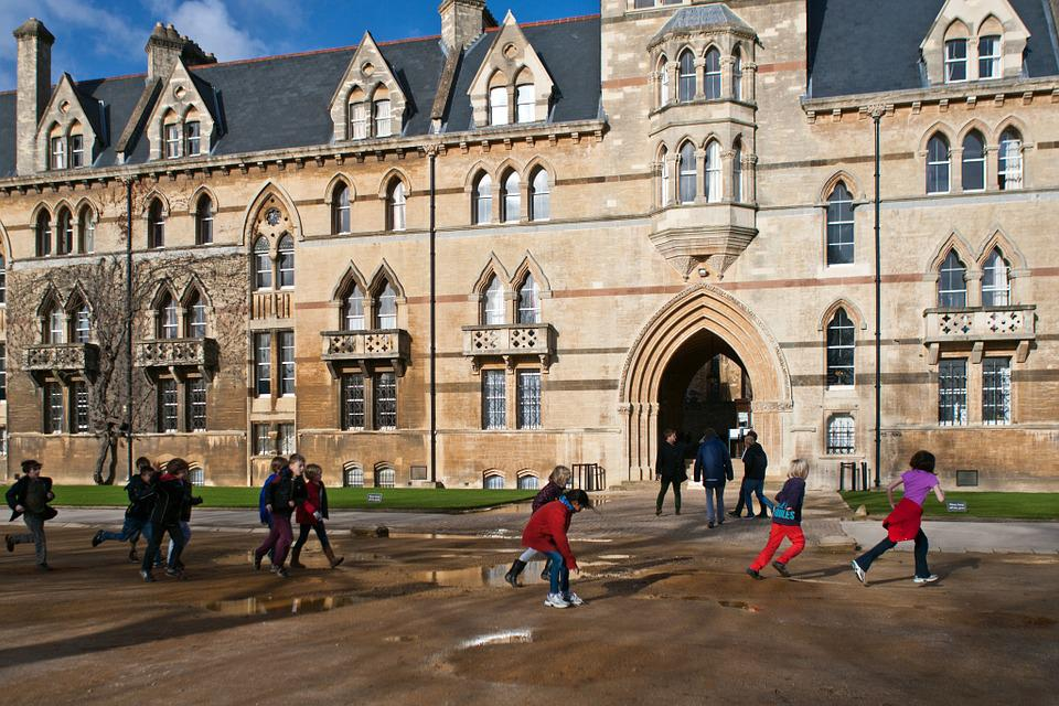 オックスフォード, 実行している, ジャンプ水たまり, 学校の子供たち, オックスフォードシャー