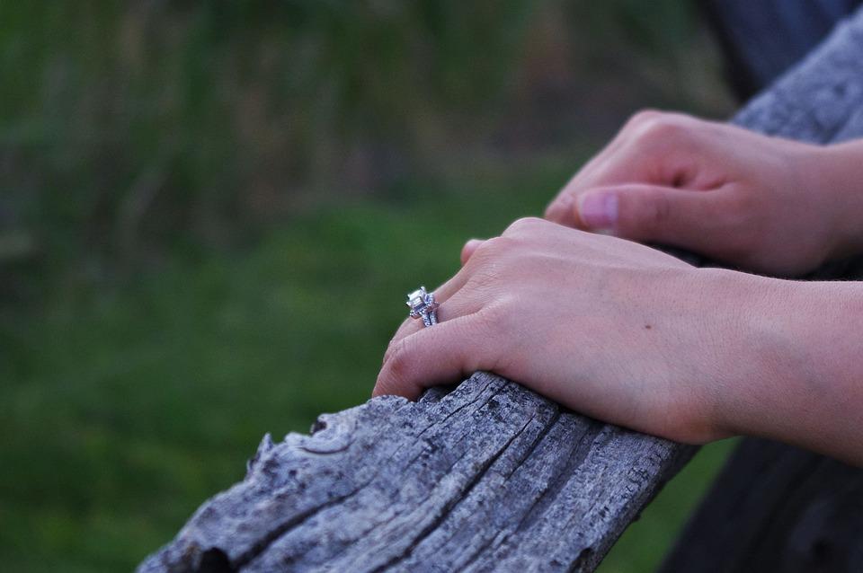 870 Gambar Jari Tangan Romantis Gratis Terbaru