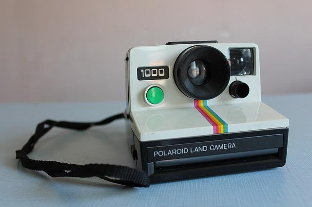 How To Old Fashioned Polaroid Pictures