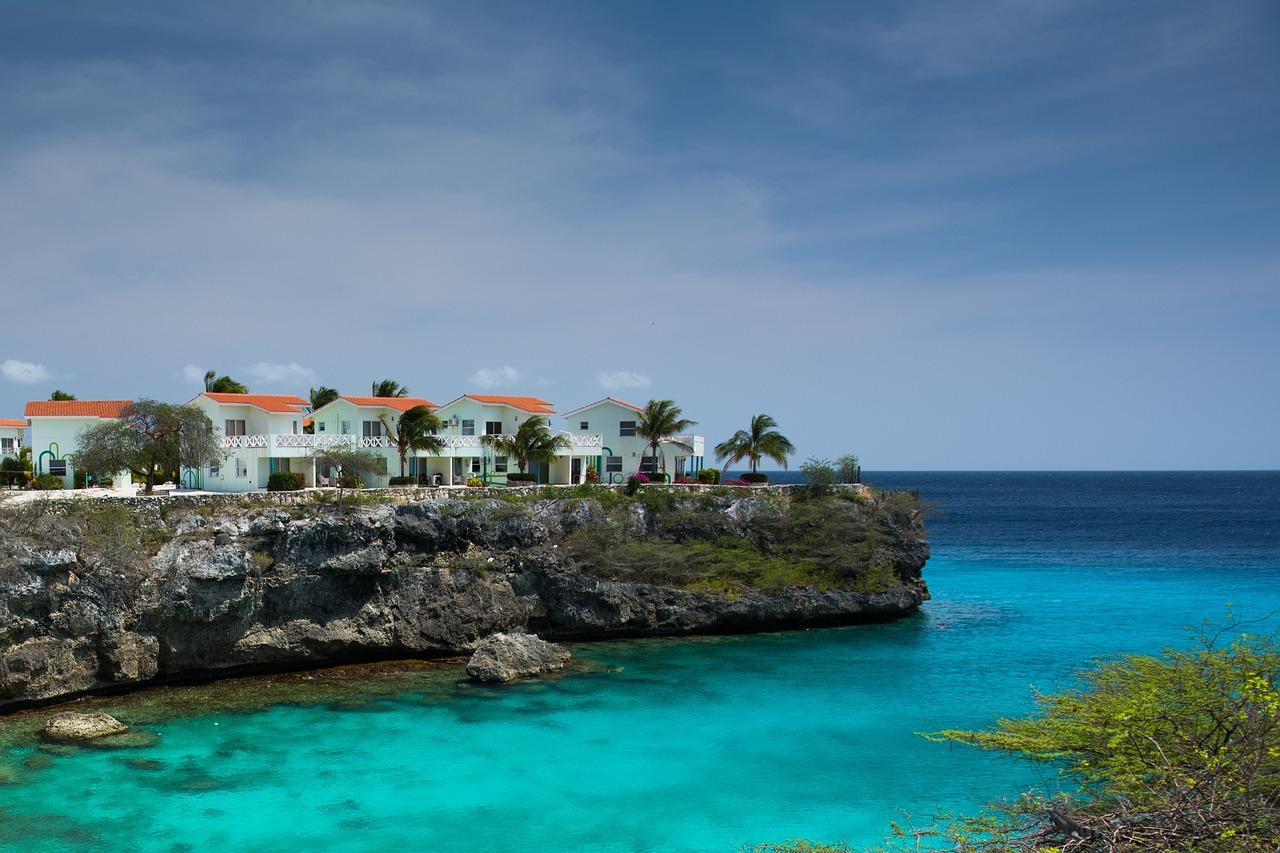 Недорогую недвижимость в италии на берегу моря купить