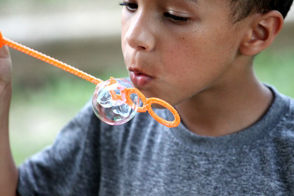how to make bubble soap for blowing bubbles