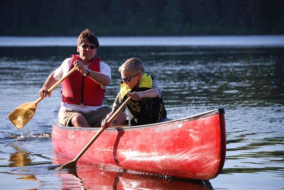 paddlar till kanot