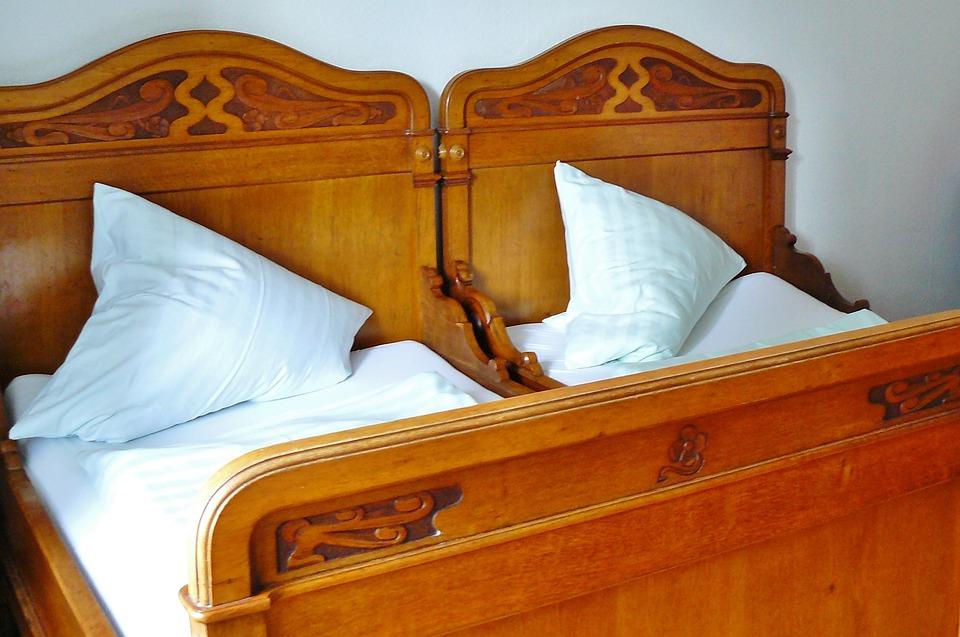 lit en bois chambre 192 coucher 183 photo gratuite sur pixabay
