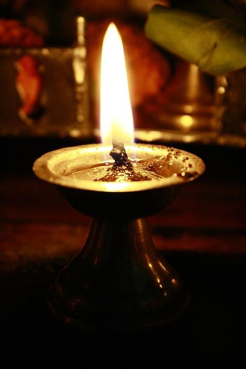 Lampe A Huile Lumiere Religieuses Photo Gratuite Sur Pixabay