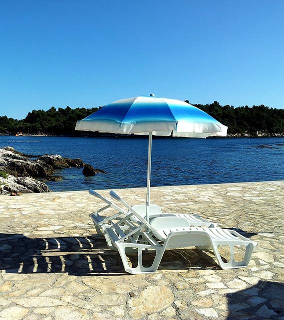 parasol plage chaises photo gratuite sur pixabay. Black Bedroom Furniture Sets. Home Design Ideas