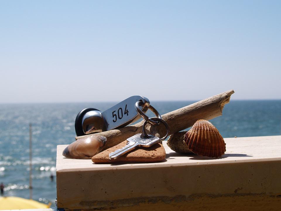 ホテルの部屋の鍵, キー, 部屋の鍵, 海, 休日, シェル, 空, 水, 地中海, 地平線, オーシャン