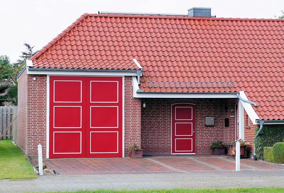 Haus Dachziegel Mauer Türen Rot Farbig Romantik