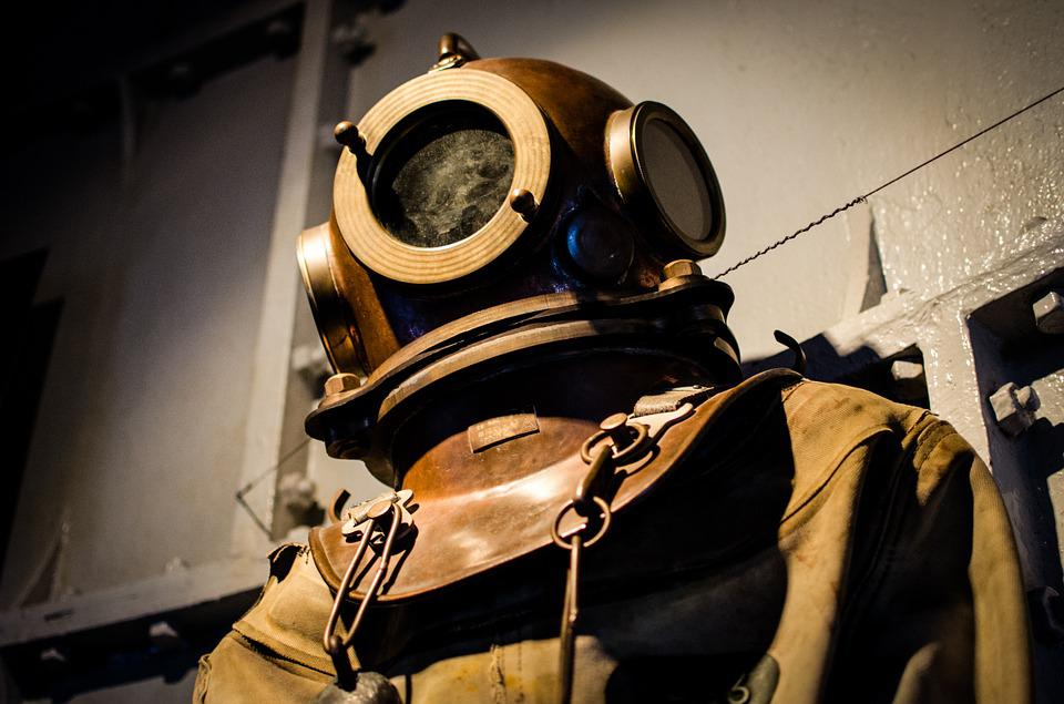 free photo diving suit old historic helmet free
