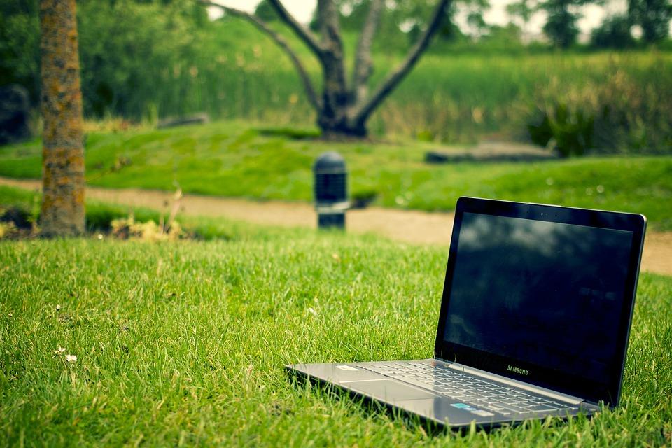 ノートブック, ラップトップ, 仕事, パソコン, コンピュータ, アウトドア, 公園, 芝生, レジャー