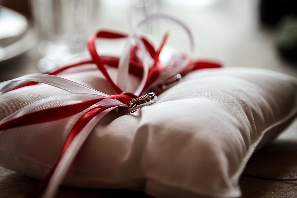 Ringe Hochzeit Glucklich Kostenloses Foto Auf Pixabay