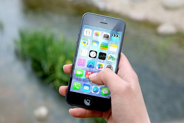 Iphone, 手, 画面, スマート フォン, アプリ, 携帯電話, 電話, 通信, モバイル, 技術