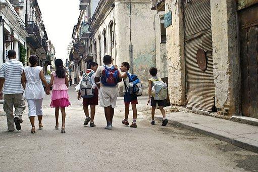 Niños Escuela Caminar Amigos Calle Viejo A