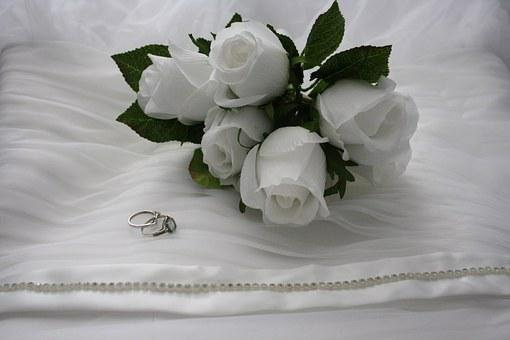 花束, ホワイトバラ, リング, 婚約指輪, ウェディング バンド, 結婚式