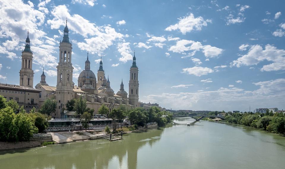 Saragossa, Ebro, Chmury, Bazylika, Kościół, Temple