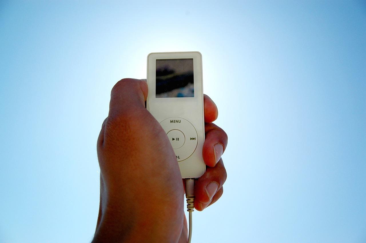 【スマホから】MP3プレーヤーの音楽の入れ方は?音楽プレイヤーの使い方を解説のサムネイル画像