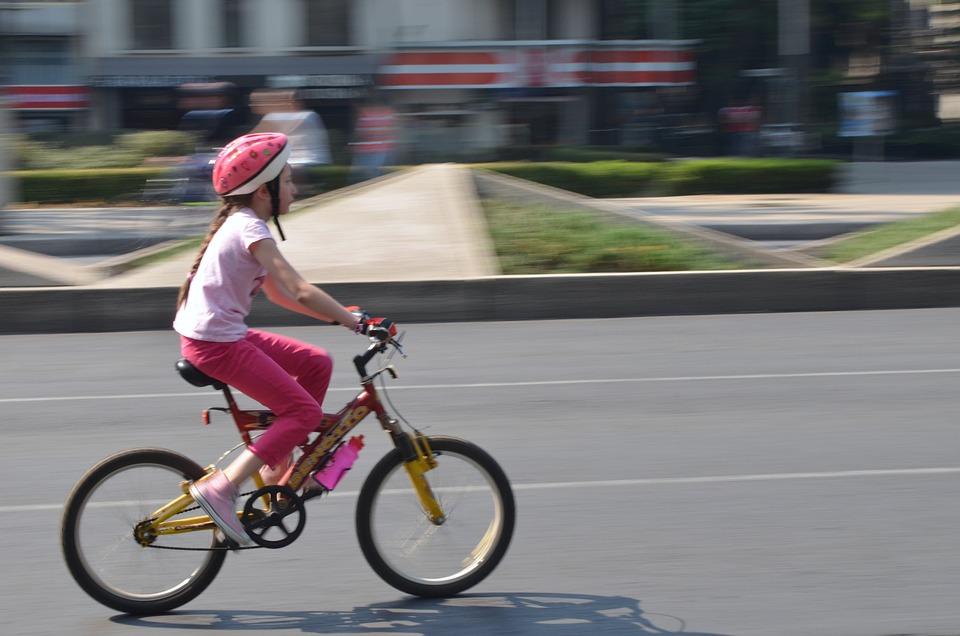 Imagen De Niña Andando En Bicicleta: Foto Gratis: Bicicleta, Niño, Niña, Ciclismo