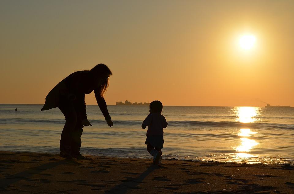 Мать-одиночка что это значит для общества и для самой женщины