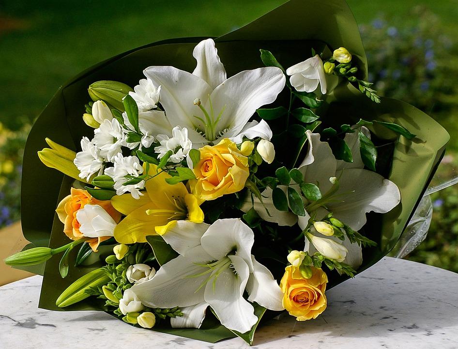 Photo gratuite bouquet fleurs jaune blanc vert for Bouquet de fleurs vert et blanc