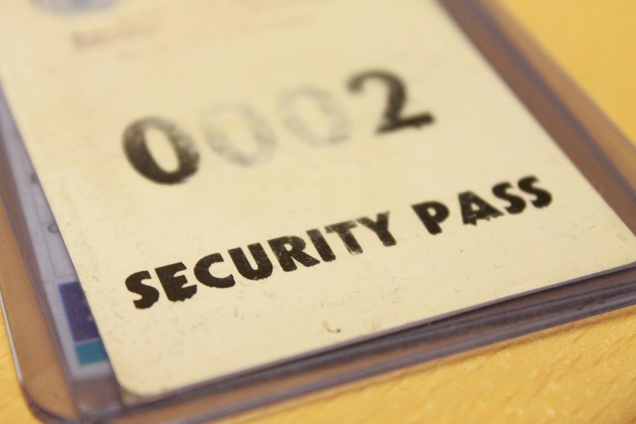Beragam ID CARD untuk karyawan