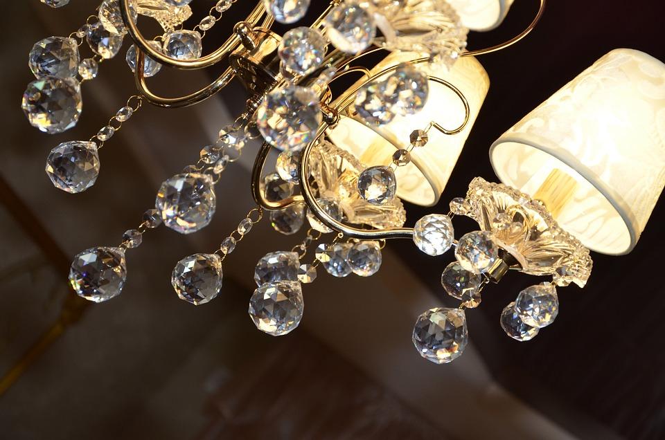 Lampadario Rosa Cristallo : Lampadario luci di lusso · foto gratis su pixabay