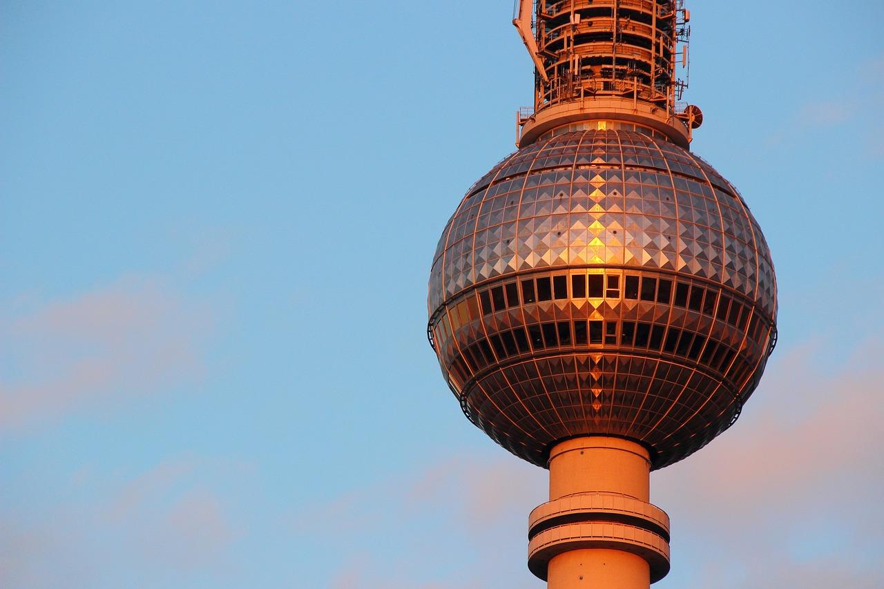 Башня с одним куполом картинки