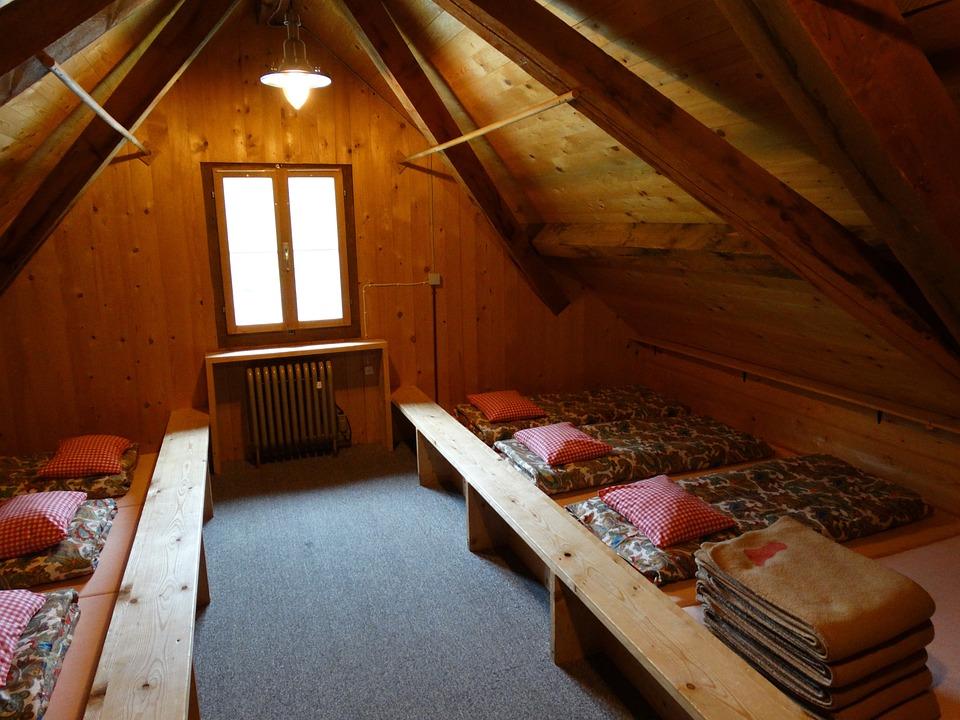 Matratzenlager  Matratzenlager Berghütte · Kostenloses Foto auf Pixabay