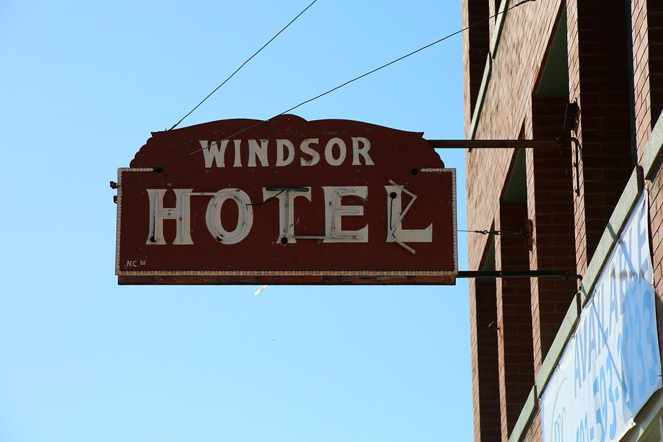 Hotel Sign Motel Windsor