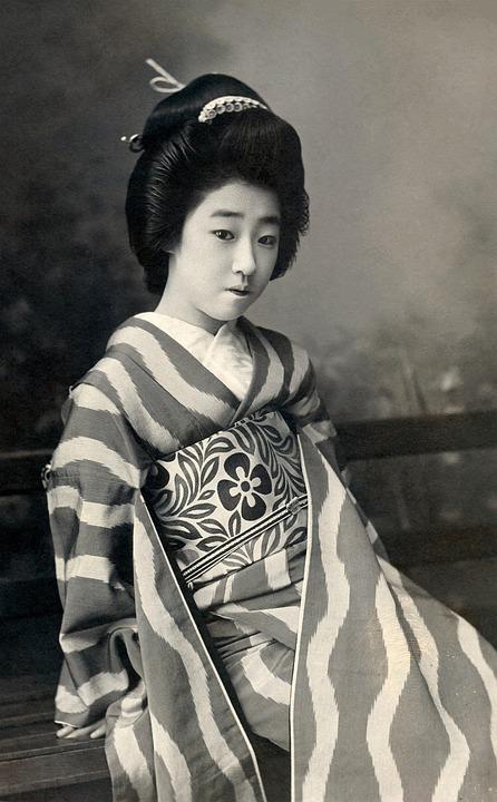 geisha  pics retro