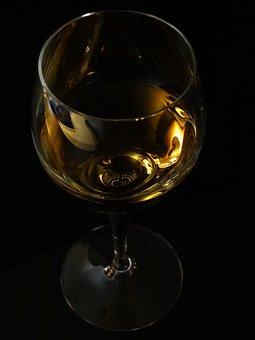 Αποτέλεσμα εικόνας για ποτηρι με κρασι