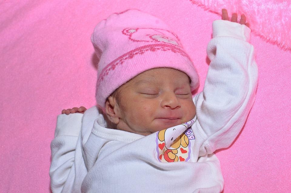 lyserød baby kjole