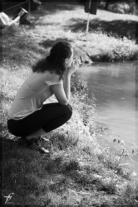 Foto Gratis Hitam Putih Perempuan Wanita Gambar Cantik Taman Outdoors