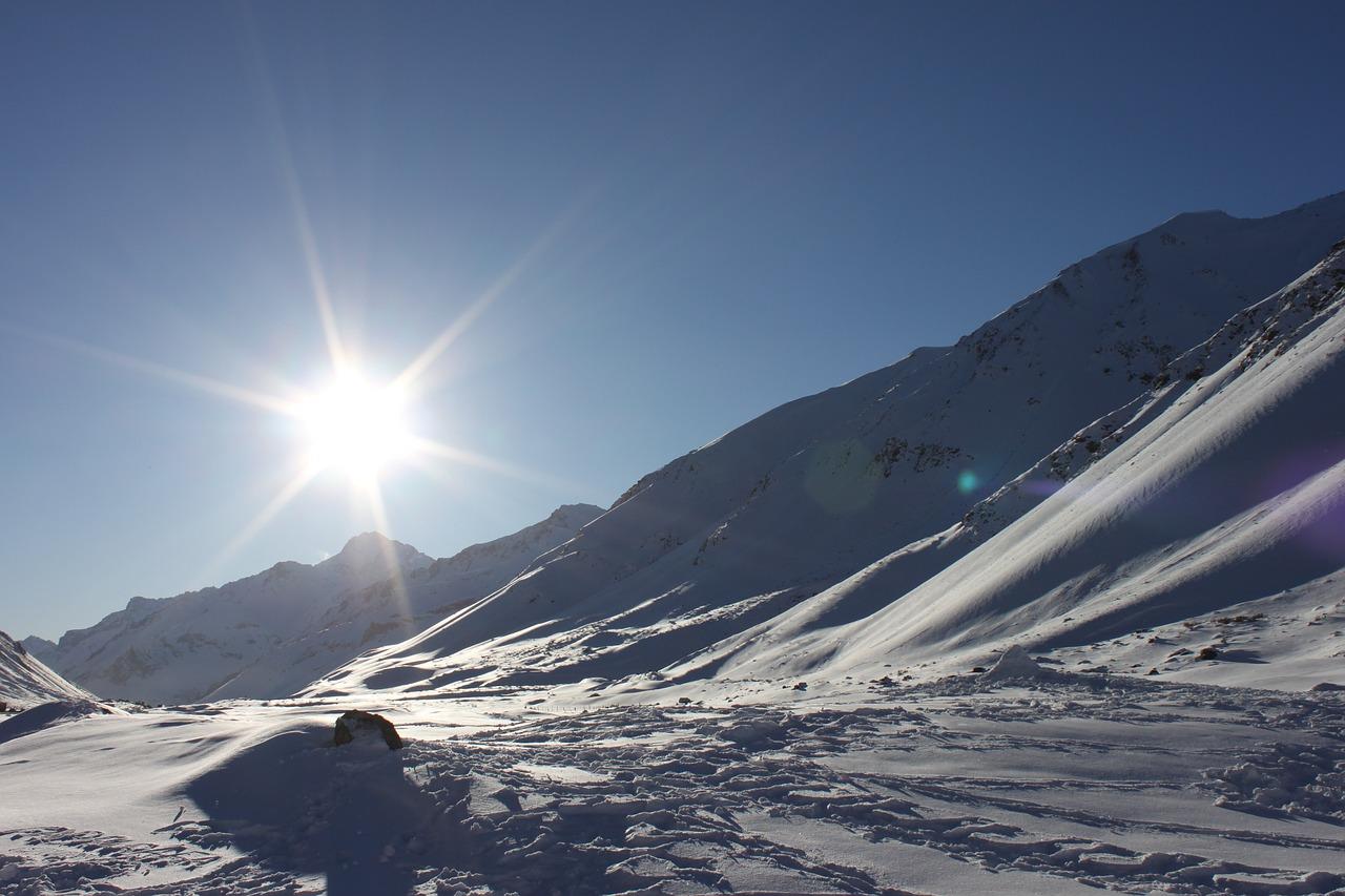 梦见自己在最高的山峰 梦见自己在最高的山顶上