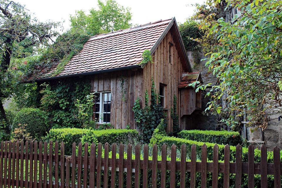 Photo gratuite vieille cabane en bois image gratuite for Cabane de jardin suisse