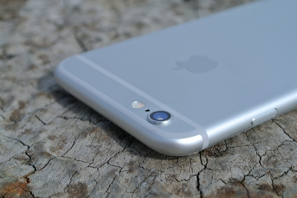 iphone-6-458150_960_720 ☆★☆ 【iPhone6】バッテリー交換/バッテリー修理 お任せ下さい ☆★☆