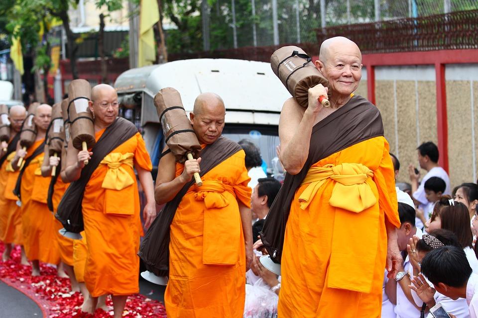 仏教徒 修道士 徒歩 · Pixabayの...