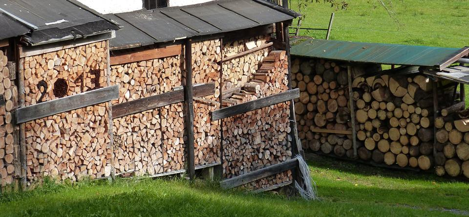 Free photo holzstapel firewood storage wood free for Chauffage au bois exterieur