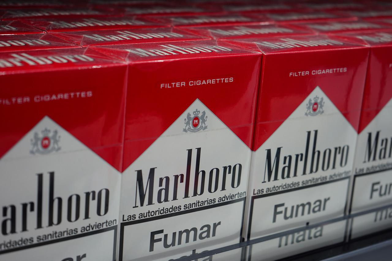 The first owner of the Marlboro Company died of lung cancer.