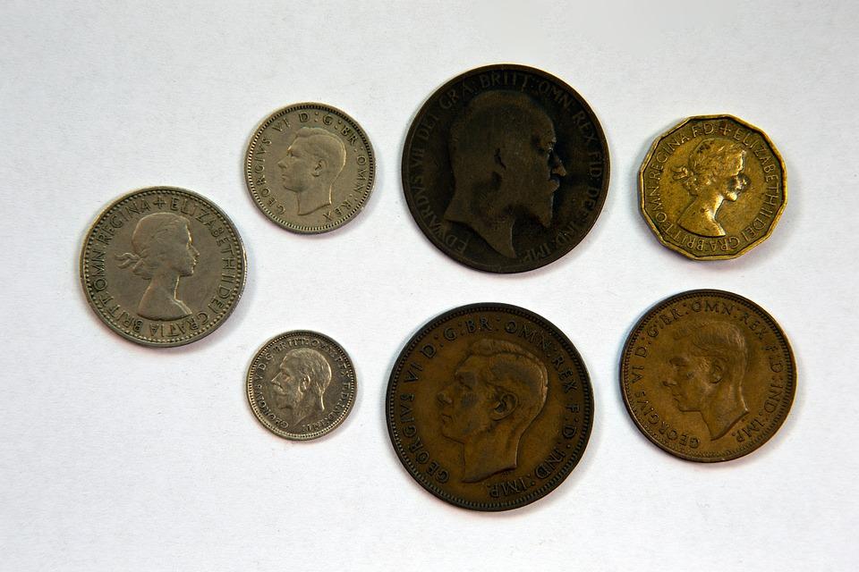 https://cdn.pixabay.com/photo/2014/09/29/19/19/british-coinage-466368_960_720.jpg