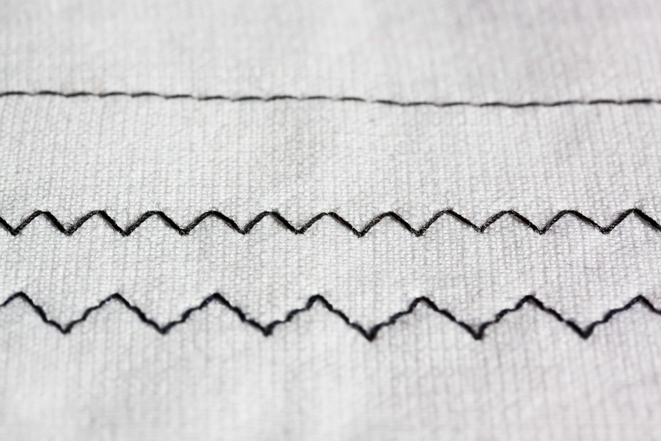 Zig zag sewing machine embroidery · free photo on pixabay