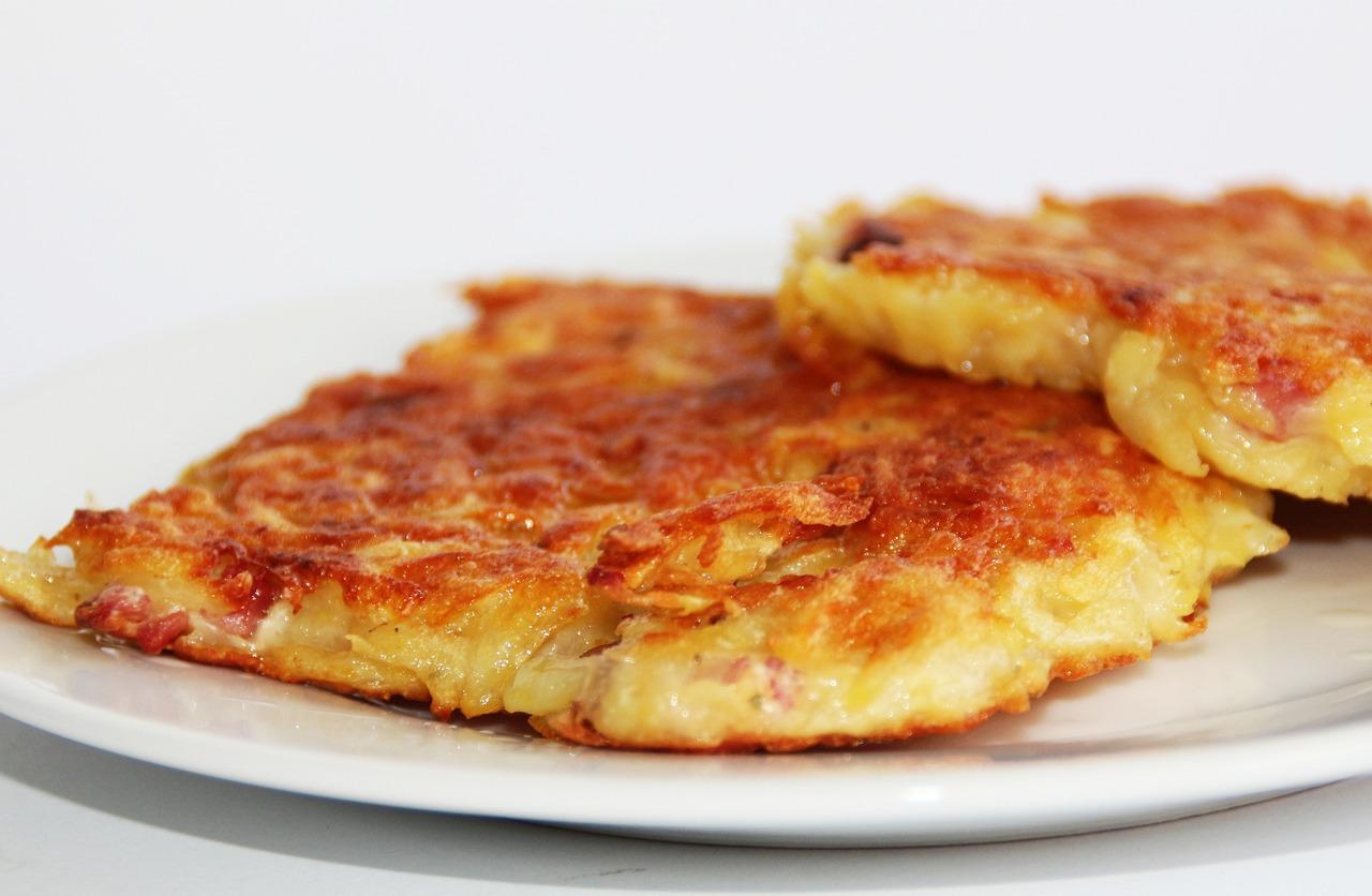 Картофельные драники с колбасой и сыром рецепт с пошагово в