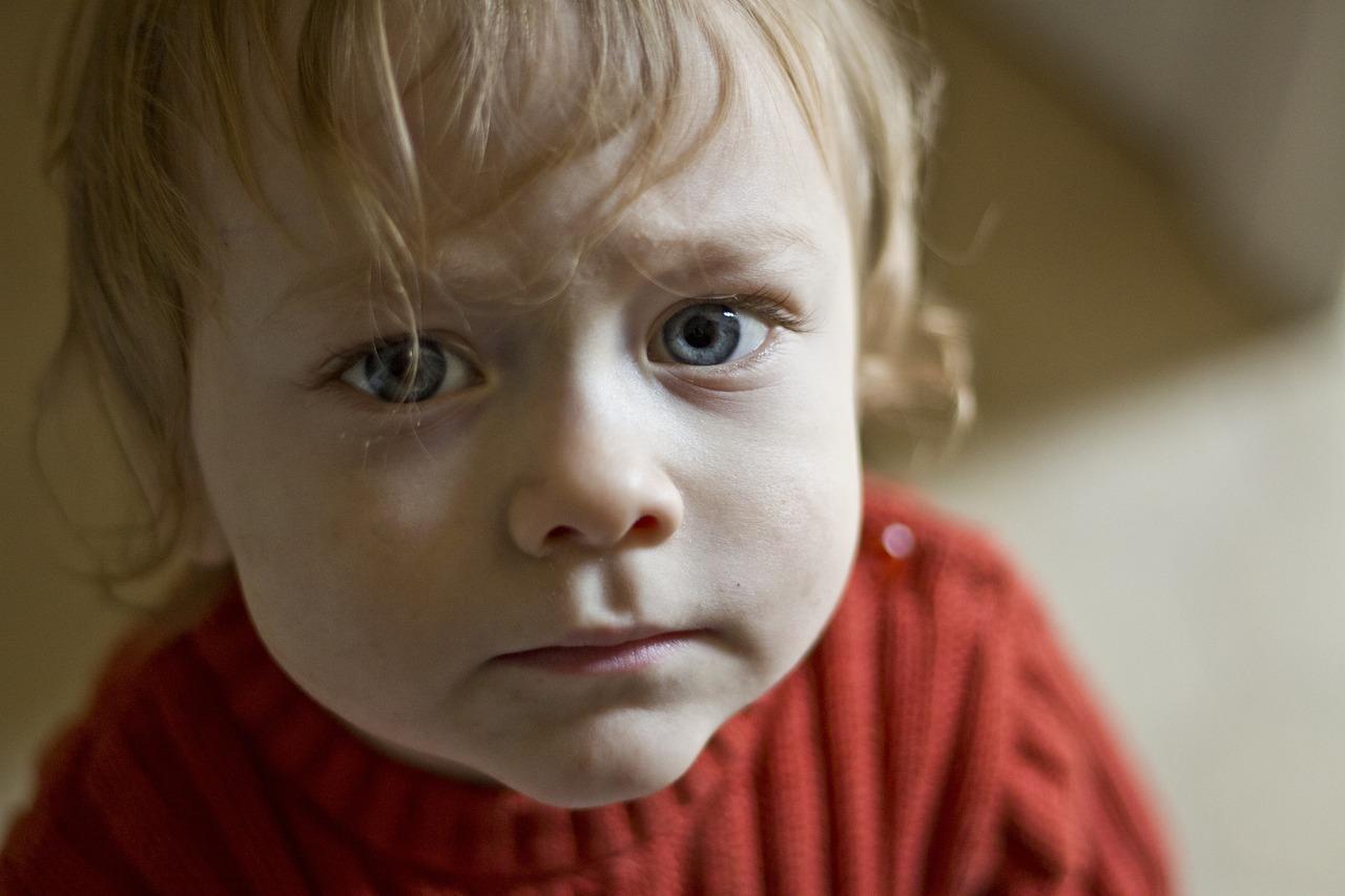 Картинка грустного малыша