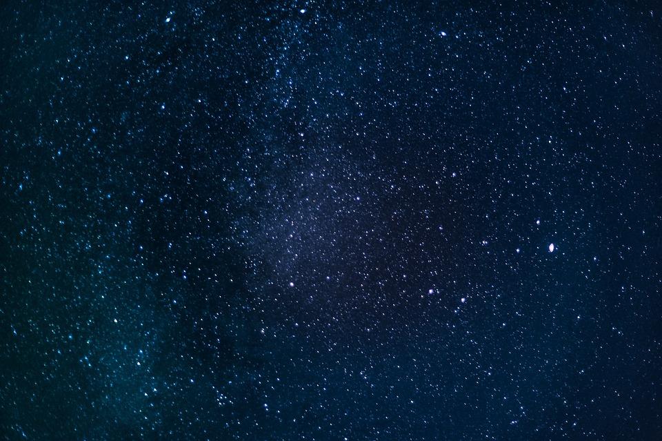 銀河 スペース 宇宙 夜の空 背景 天文学 スター 夜 満天の星空
