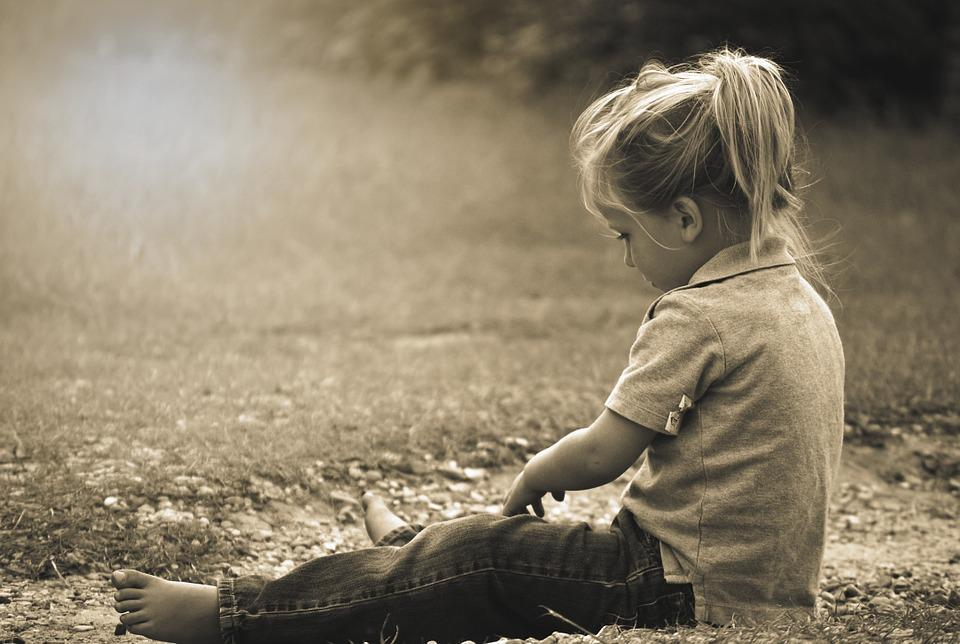 Niño, Jugando, Feliz, La Infancia, Alegría, Jugar