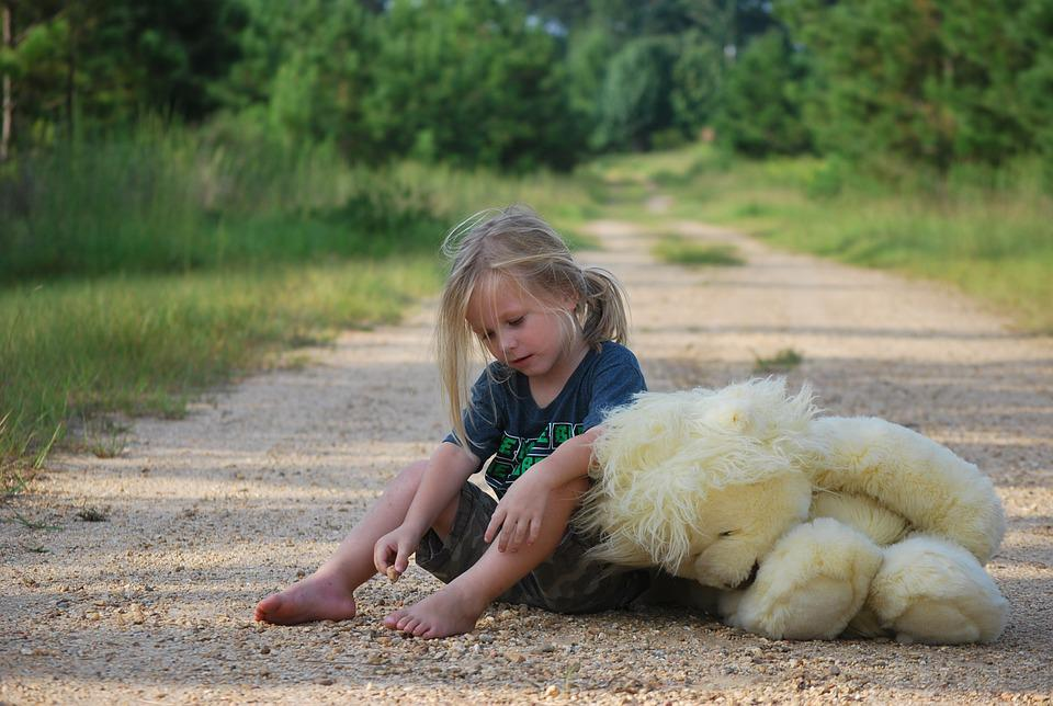 Pige, Bamse, Legetøj, Barn, Barndom, Lidt, Spille