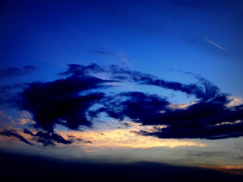 500+ Gambar Awan Di Sore Hari HD Terbaik