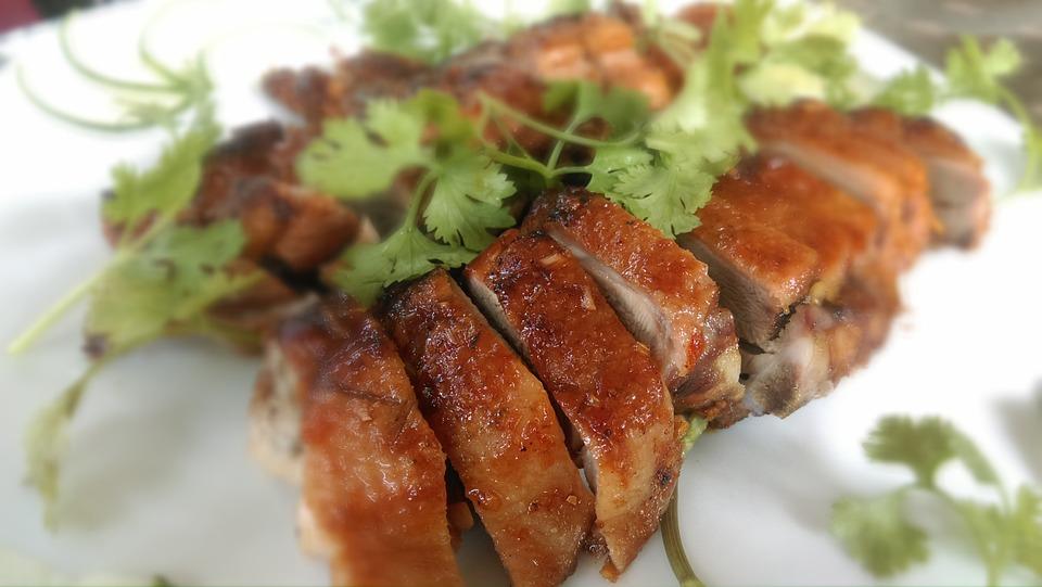 Bebek, salah satu makanan penyebab asam urat. (Foto: Pixabay)