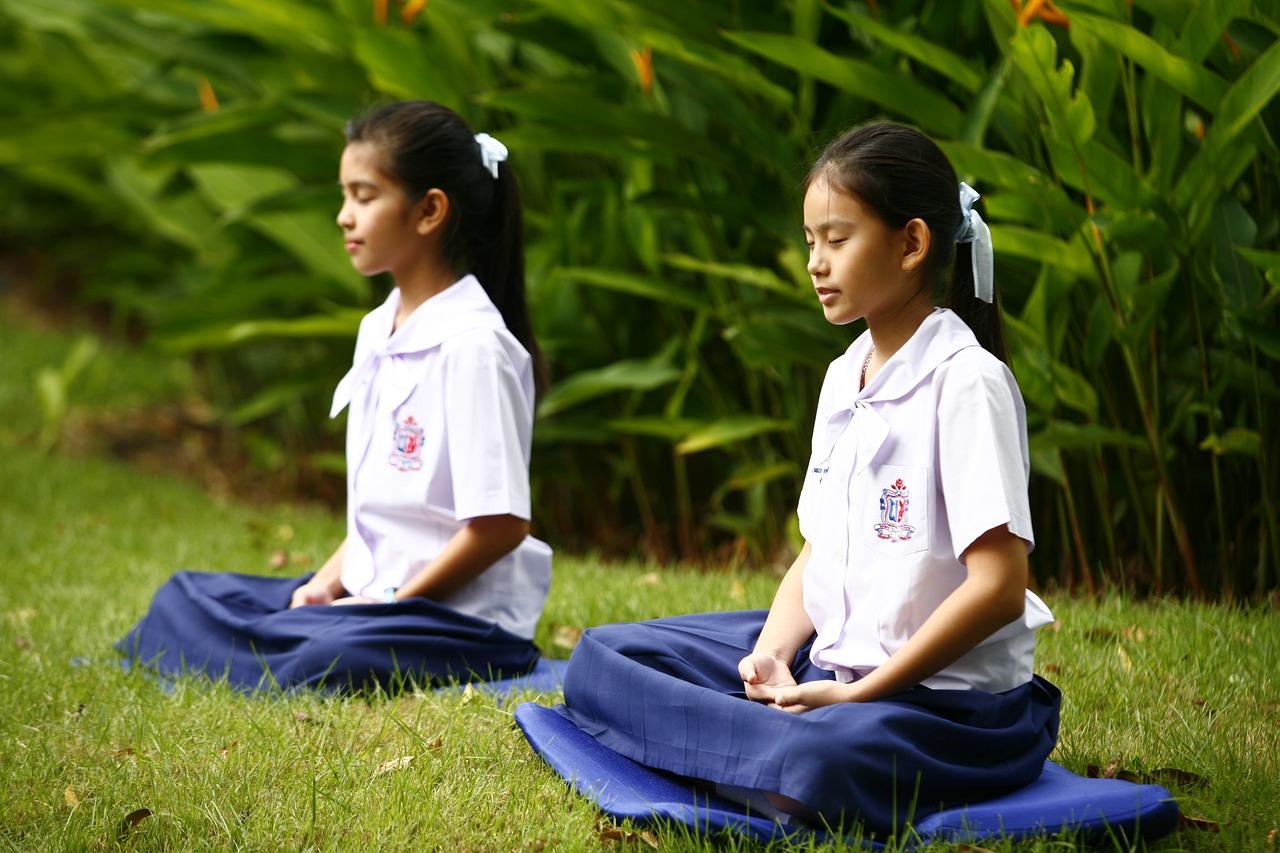 thick-asian-meditation-images-black