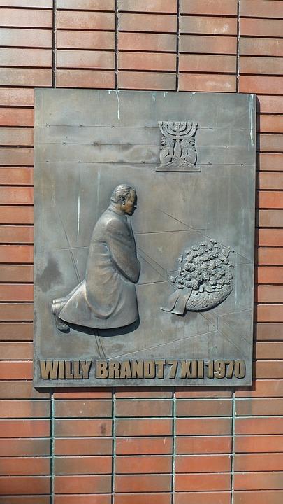 Warschau, Bronzetafel, Denkmal Des Kniefalls