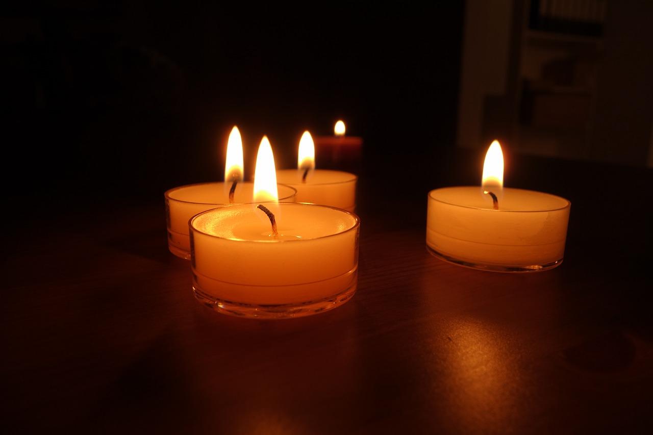 Свечи на картинках, надписью девочка война